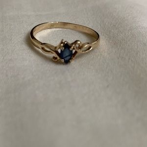 10k gold created sapphire ring